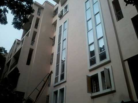 Rent 2 BHK Semi-Furnished Apartment / Flat in Embassy ...